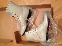 Pearl lace ups Justin size 9 womens in Fort Polk, Louisiana